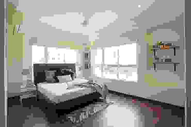 Bedroom Saloni Narayankar Interiors Small bedroom Wood Blue
