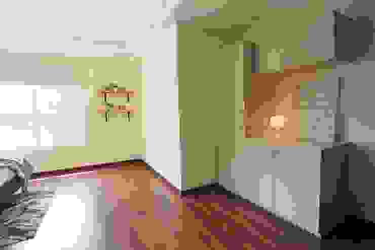 Bedroom Saloni Narayankar Interiors Small bedroom Wood White
