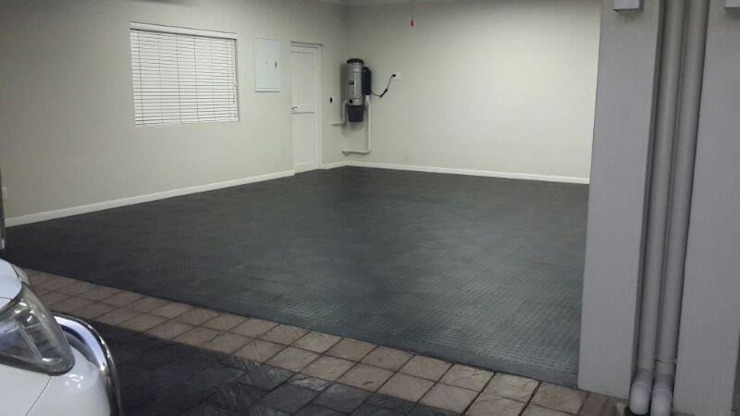 Garage Flooring by MyGarage Modern