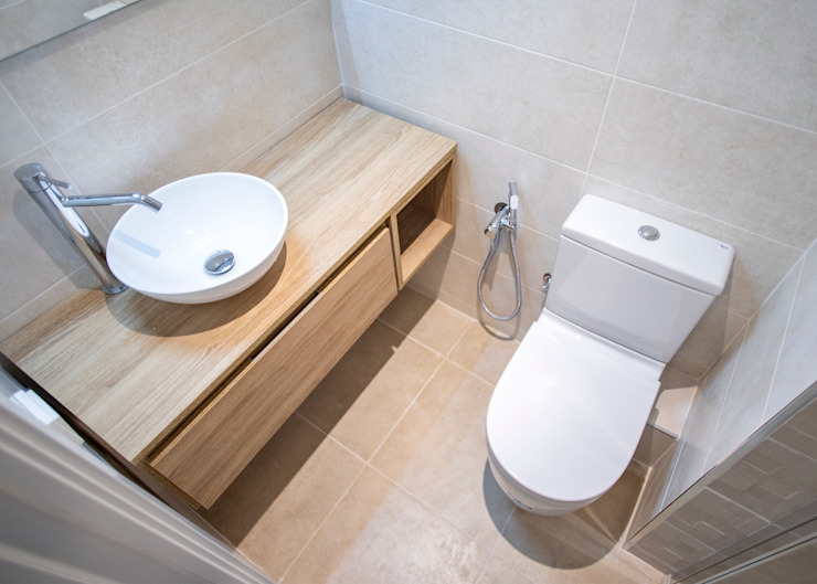 Casas de banho modernas por Grupo Inventia Moderno Azulejo