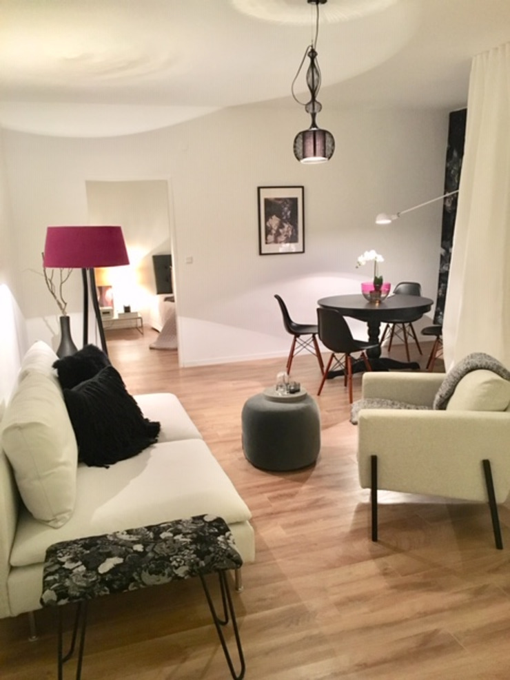 Münchner home staging Agentur GESCHKA Modern Living Room Multicolored