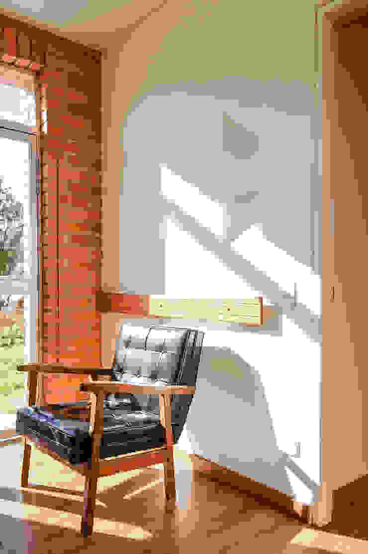 Pasillo Salas de estilo minimalista de ENSAMBLE de Arquitectura Integral Minimalista