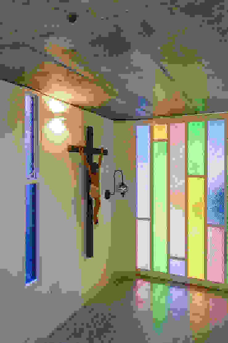Sala de Velación Salas de estilo minimalista de ENSAMBLE de Arquitectura Integral Minimalista