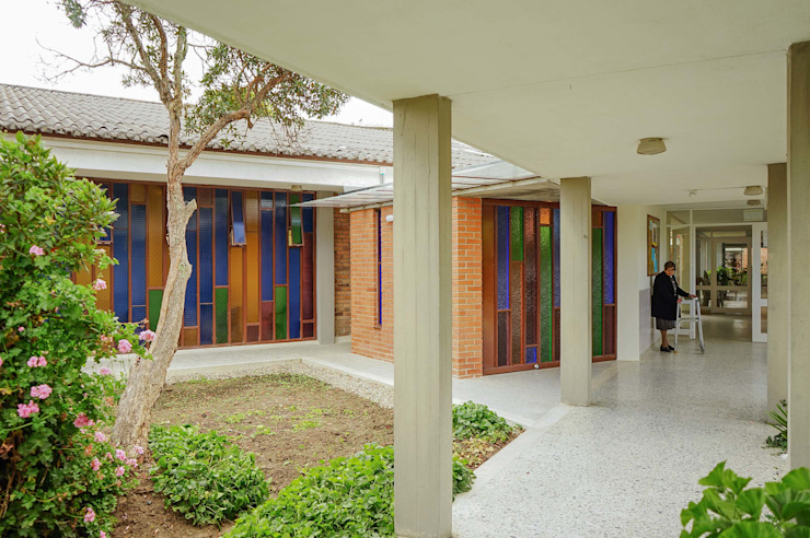 Exteriores Casas de estilo minimalista de ENSAMBLE de Arquitectura Integral Minimalista
