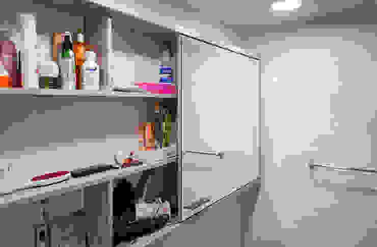 Mobiliario de Baño 2 de ENSAMBLE de Arquitectura Integral Minimalista