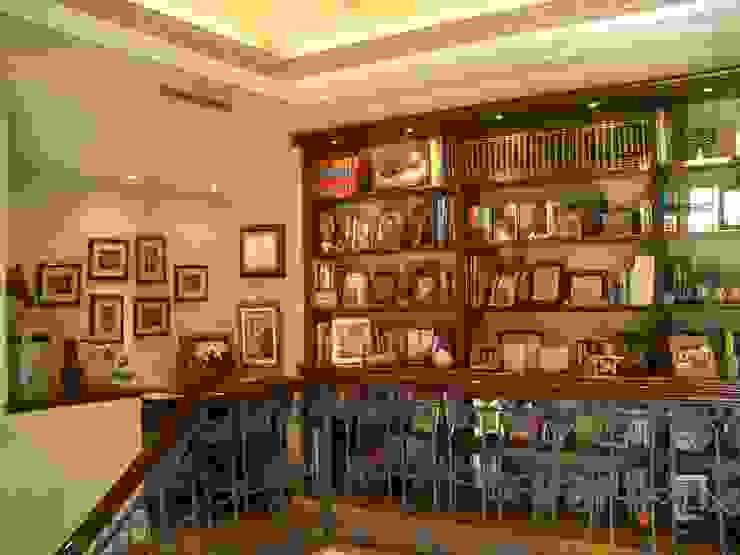Biblioteca en mezannine Estudios y despachos coloniales de DIMARQ® espacios arquitectónicos Colonial