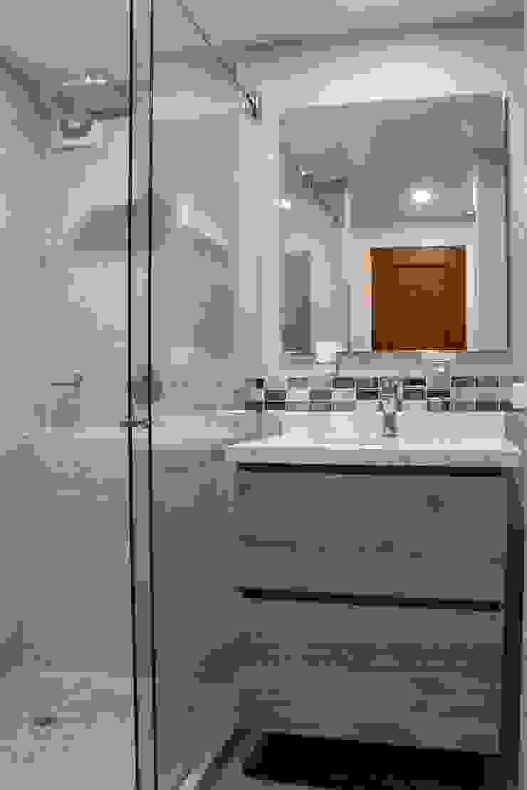 Baño 1 Después de ENSAMBLE de Arquitectura Integral