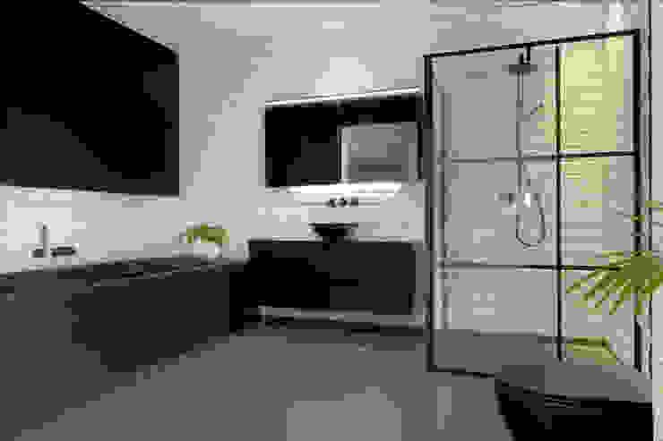 Zwart badkamerinterieur Moderne badkamers van De Eerste Kamer Modern Keramiek