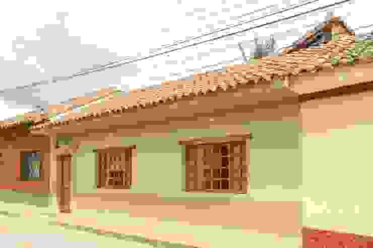 Fachada Casas de estilo minimalista de ENSAMBLE de Arquitectura Integral Minimalista