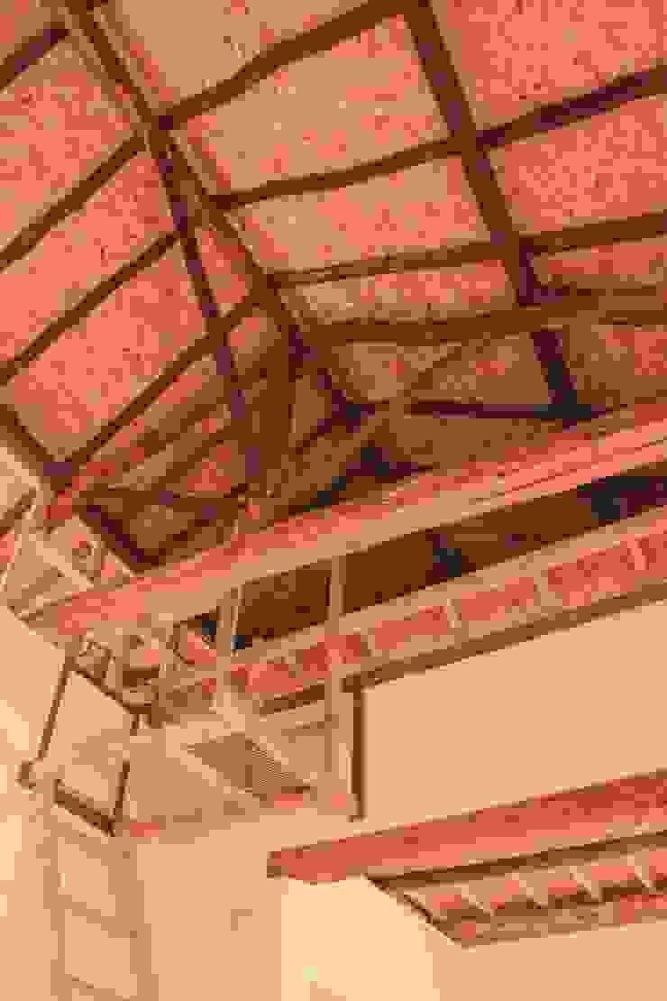 Escaleras Altillos de ENSAMBLE de Arquitectura Integral Minimalista