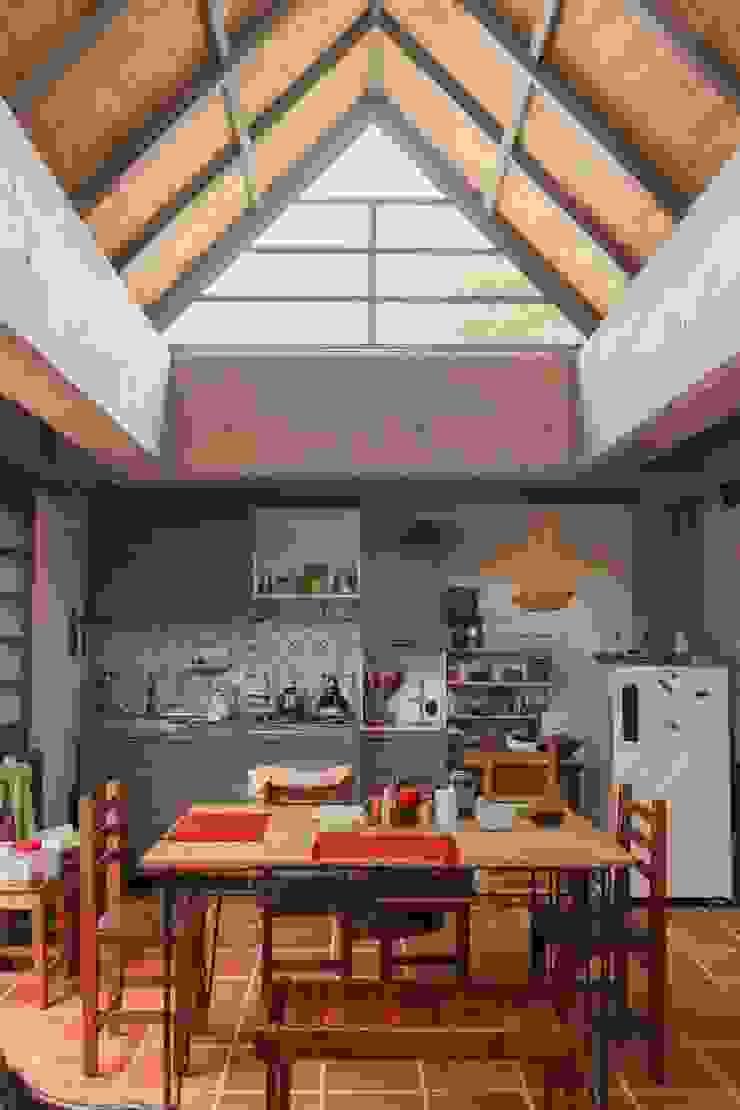 Apartamento Principal Comedores de estilo minimalista de ENSAMBLE de Arquitectura Integral Minimalista