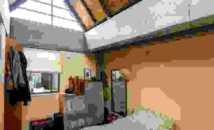 Patio Posterior Antes Habitaciones de estilo minimalista de ENSAMBLE de Arquitectura Integral Minimalista