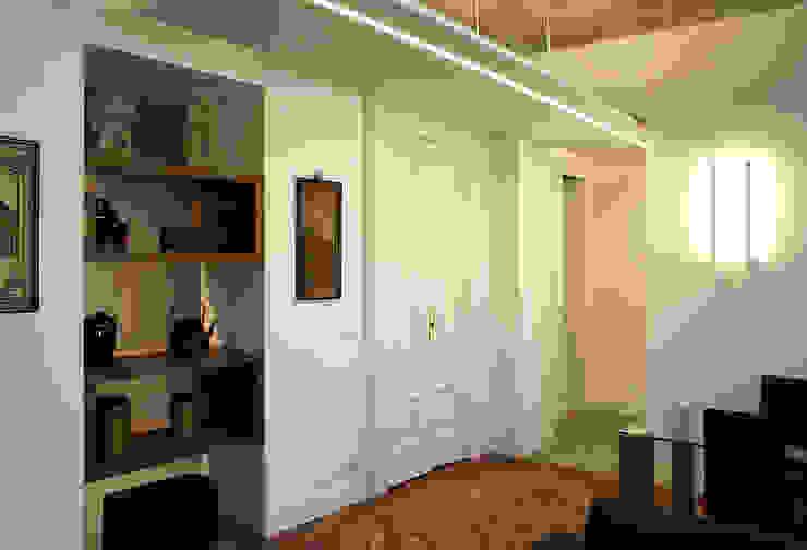 Ingresso salone Onice Architetti Soggiorno eclettico Legno Bianco