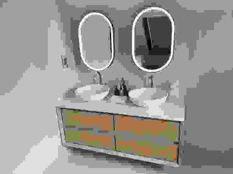 Vanity: modern  by Gardner Interior Concepts, Modern