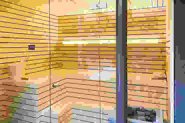 Sauna mit finnischem Specksteinofen | KOERNER Saunamanufaktur von KOERNER SAUNABAU GMBH Modern