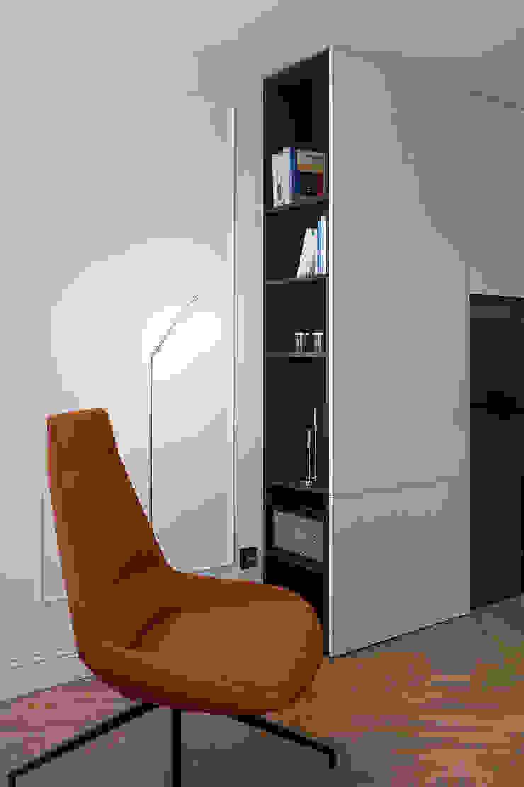 Rincón de lectura Salones de estilo moderno de MANUEL GARCÍA ASOCIADOS Moderno