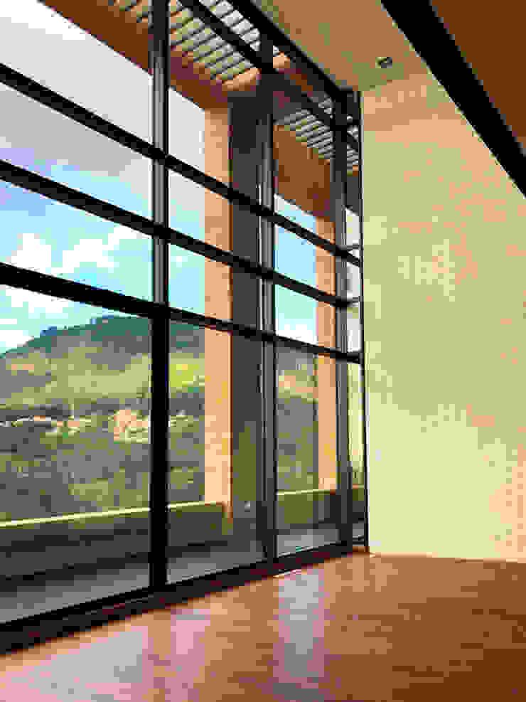 Sala Penthouse Salas modernas de Konrad Brunner Arquitectos Moderno