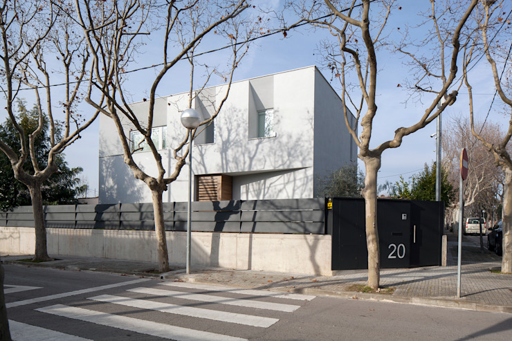 CABRÉ I DÍAZ ARQUITECTES Minimalist house