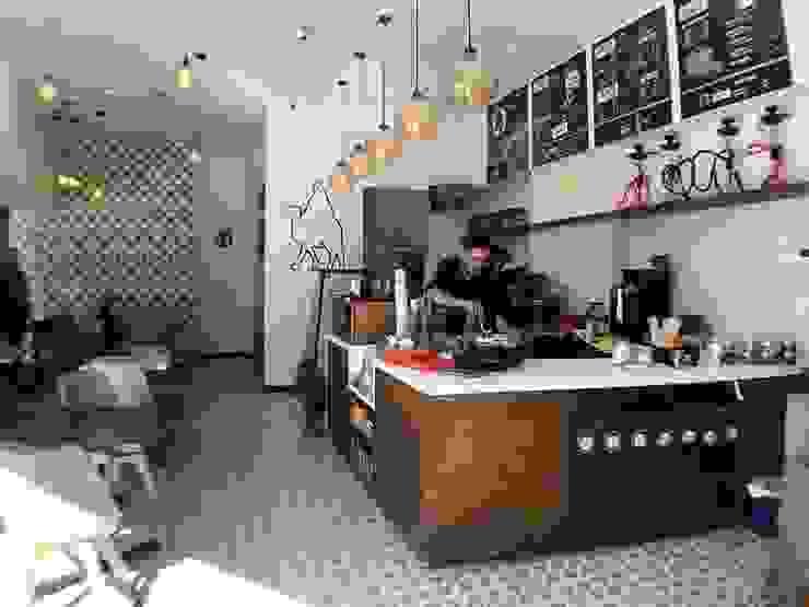 cafetería Gastronomía de estilo moderno de DE LEON PRO Moderno