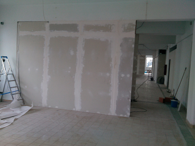gabinetes de conulta IIP - Reabilitação e Construção Lojas e Espaços comerciais modernos