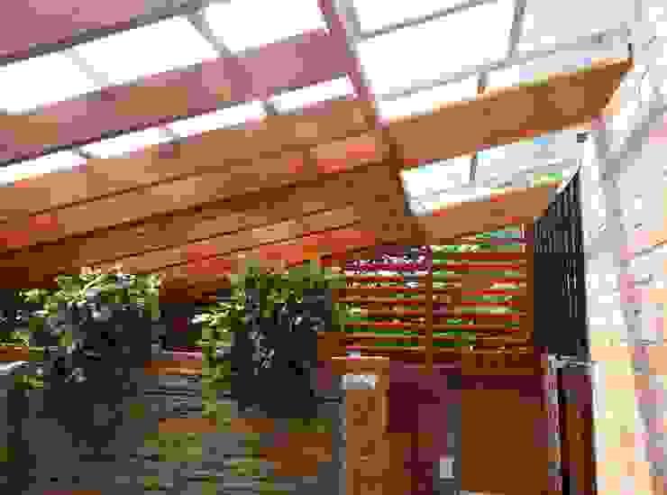 ESTADERO. Balcones y terrazas de estilo clásico de VILLEGAS ARQUITECTOS SAS Clásico Madera Acabado en madera