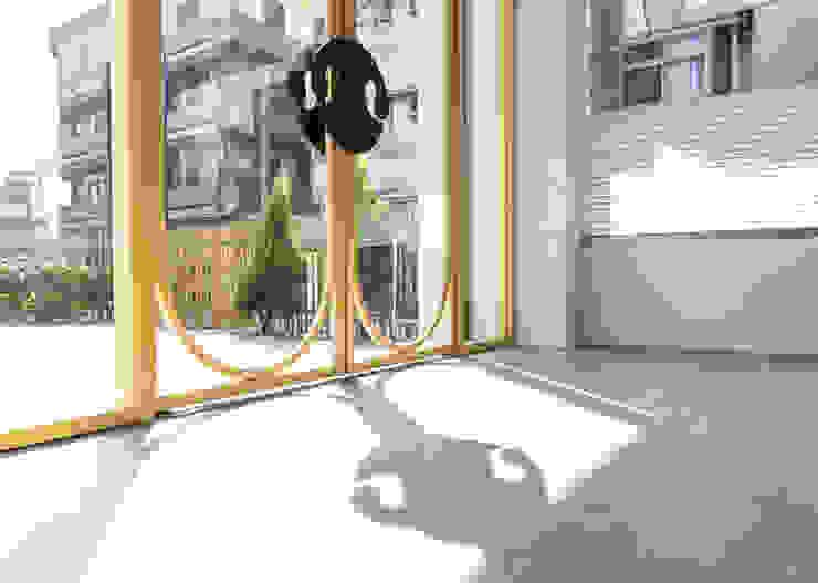 沐遇寵物沙龍 Mu Pet Salon | 大門 有隅空間規劃所 Commercial Spaces Iron/Steel Yellow