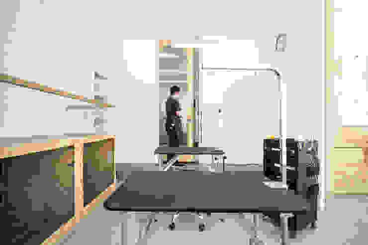 沐遇寵物沙龍 Mu Pet Salon | 寵物沐浴區 有隅空間規劃所 Commercial Spaces Plywood White