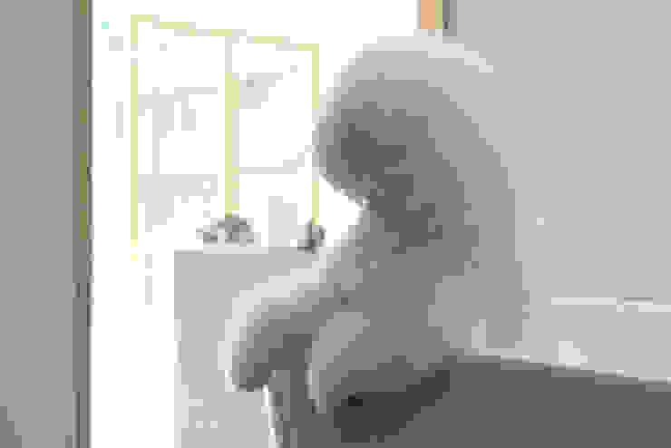 沐遇寵物沙龍 Mu Pet Salon | 沐浴區與候位區交界 有隅空間規劃所 Commercial Spaces Marble White