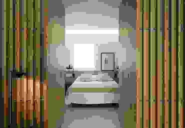 Entrada dormitorio principal MANUEL GARCÍA ASOCIADOS Dormitorios de estilo moderno