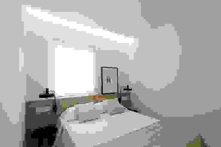 Dormitorio principal MANUEL GARCÍA ASOCIADOS Dormitorios de estilo moderno