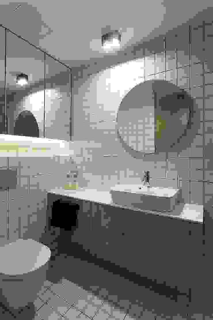 Baño MANUEL GARCÍA ASOCIADOS Baños de estilo moderno