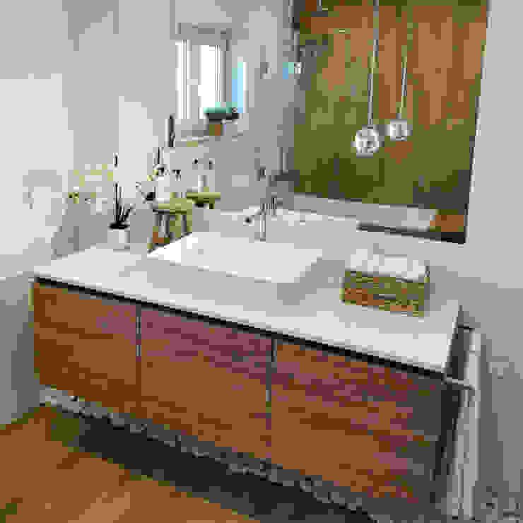 Decor-in, Lda Modern bathroom Wood White