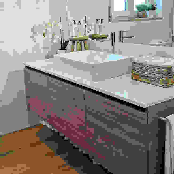Decor-in, Lda Modern bathroom Wood