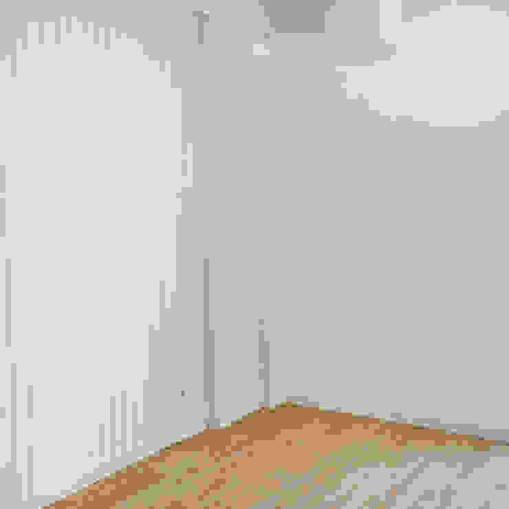 Decor-in, Lda Scandinavian style bedroom Wood White