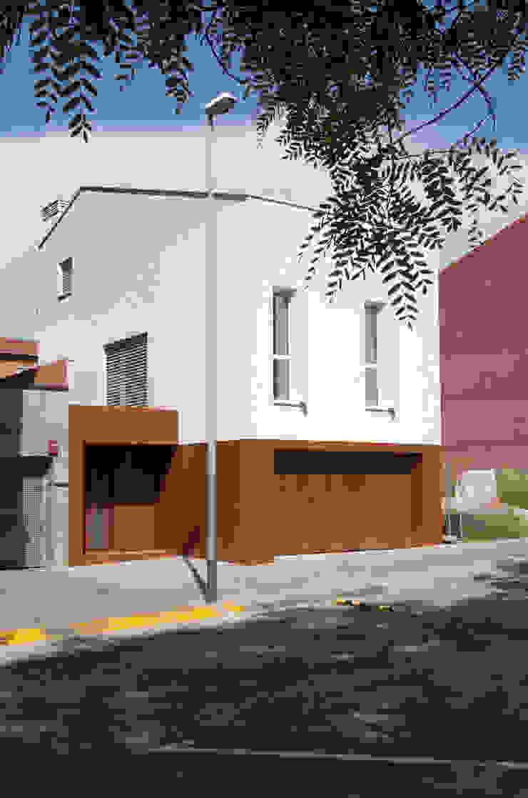 CABRÉ I DÍAZ ARQUITECTES Single family home White