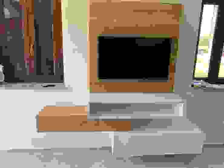 mobile tv sospeso il falegname di Diego Storani CasaAccessori & Decorazioni Legno massello Effetto legno