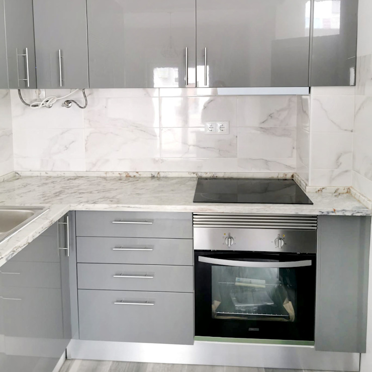 Decor-in, Lda Small kitchens Engineered Wood Grey