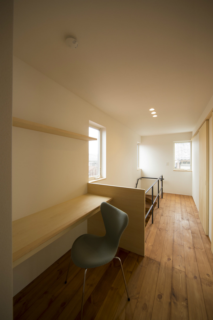 一級建築士事務所 想建築工房 Modern Study Room and Home Office
