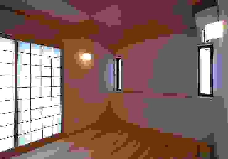 一級建築士事務所 想建築工房 Asian style bedroom