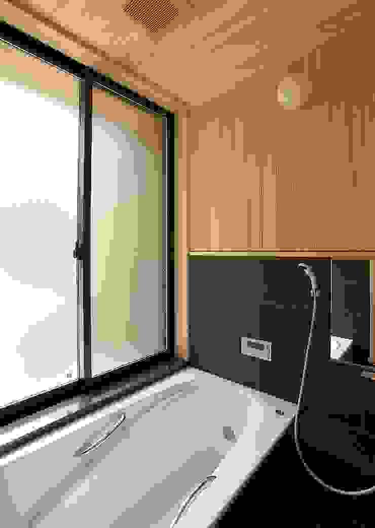 一級建築士事務所 想建築工房 Asian style bathroom