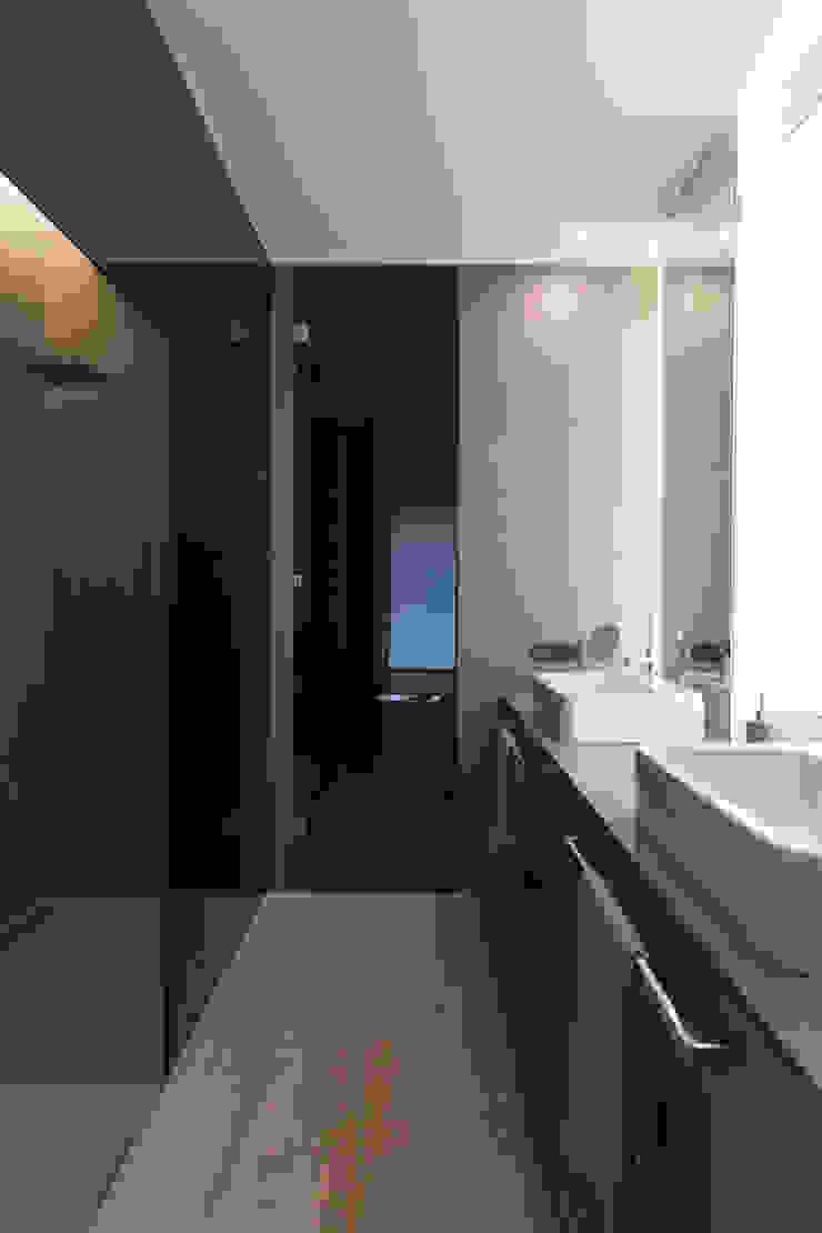 Baño dormitorio principal MANUEL GARCÍA ASOCIADOS Baños de estilo moderno