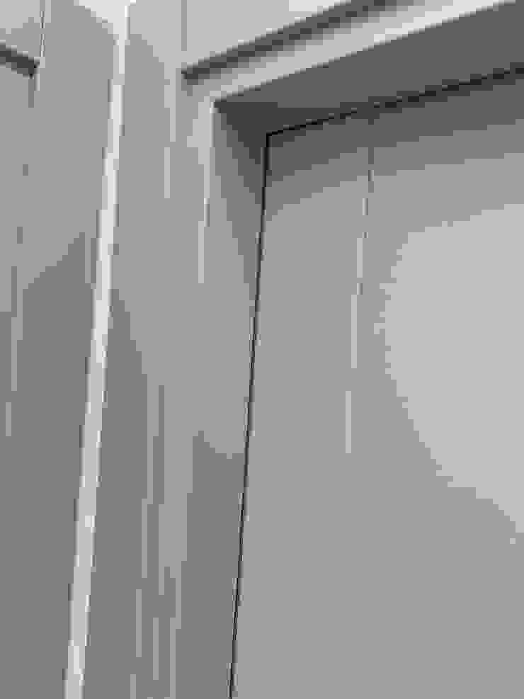 porta in frassino laccato il falegname di Diego Storani Porte in legno