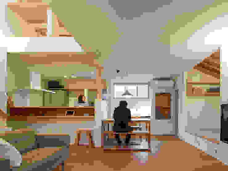 居間食堂台所 モダンデザインの リビング の 松原建築計画 一級建築士事務所 / Matsubara Architect Design Office モダン
