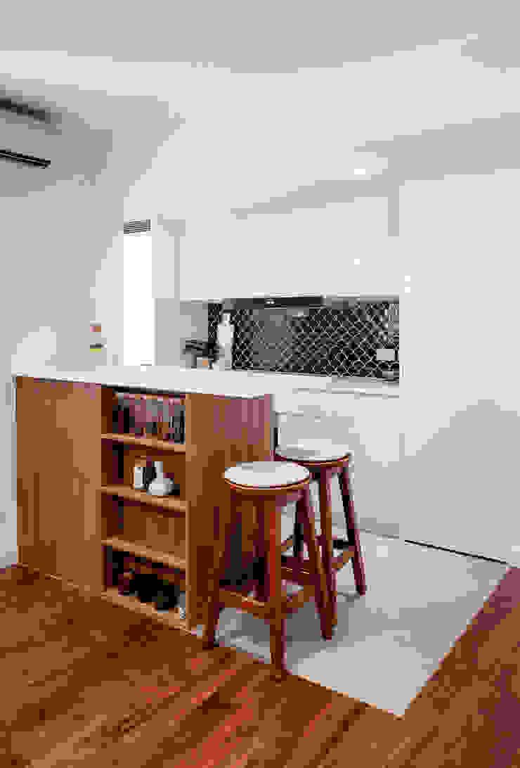 Kitchen Modern kitchen by HOUSE OF BUTLER Modern Quartz