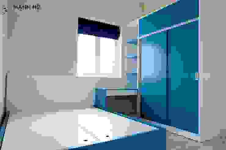 Phòng ngủ màu xanh dương đẹp mắt bởi Công ty TNHH Nội Thất Mạnh Hệ Hiện đại Cục đá