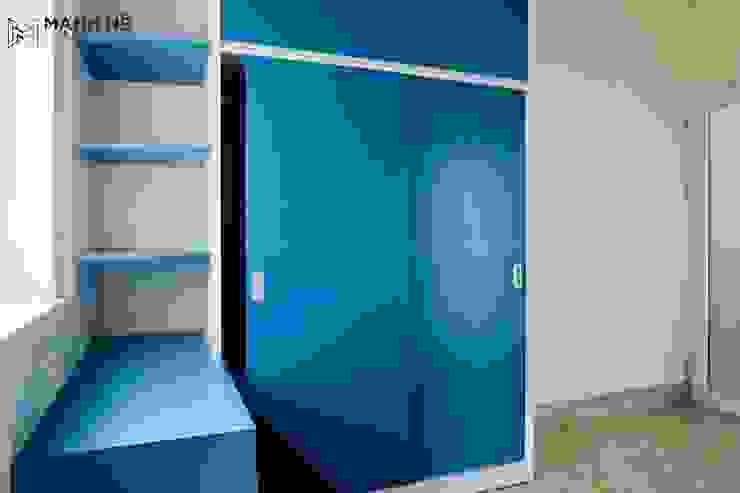 Tủ quần áo cửa lùa màu xanh bởi Công ty TNHH Nội Thất Mạnh Hệ Hiện đại Bê tông