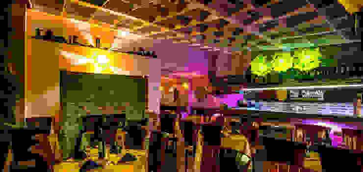Asesoria en montaje, diseño y contruccion Restaurantes:  de estilo tropical por algo por el estilo, Tropical Cerámico