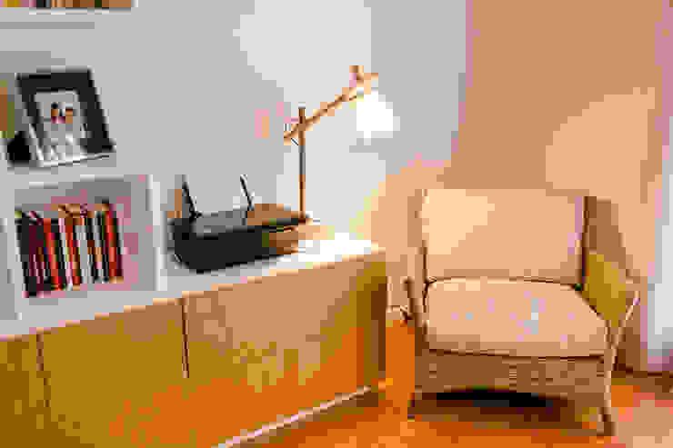 TRAÇO 8 INTERIORES Study/officeCupboards & shelving Wood Beige