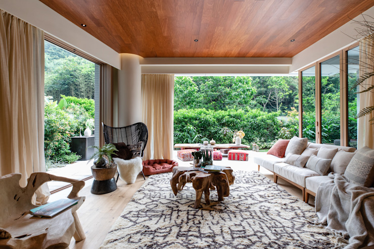 Eco Wellness Private Family Residence by LIQUID INTERIORS