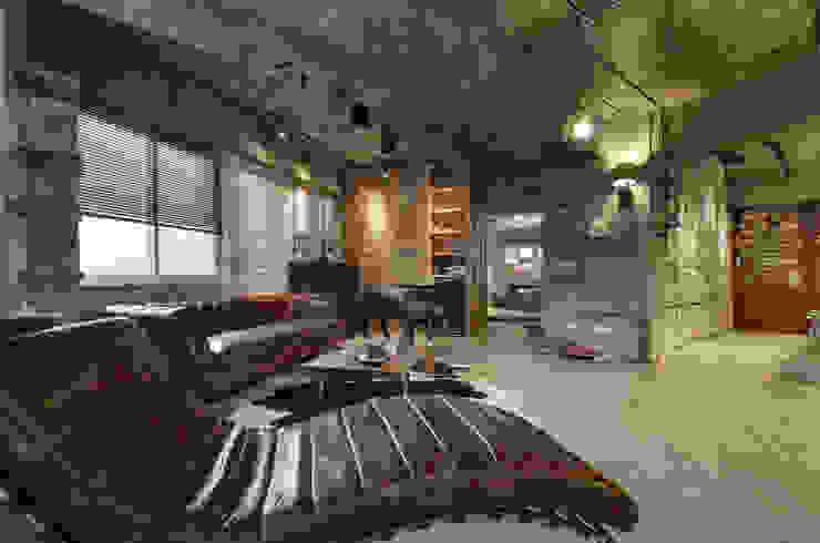 Loft 異世界 根據 拾雅客空間設計 工業風 合板